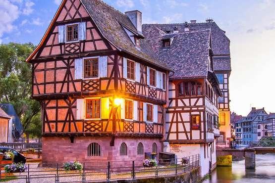 Maisons à colombages © Alexi TAUZIN - Fotolia.com