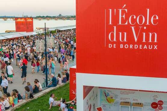 Weinfest in Bordeaux © Vincent BENGOLD
