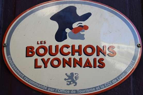 Bouchons Lyonnais © Xavier Caré / Wikimedia Commons / CC-BY-SA.