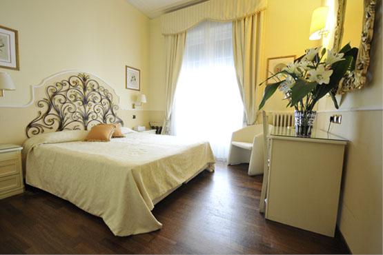 Hôtel <br> Jolanda***<sup>+</sup>