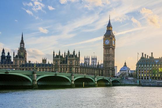 Londres – Paris  –  Venise  ou v.v.