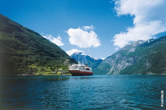 Oslo – Bergen – Trondheim<br>als Zug-Schiff-Kombi<br>