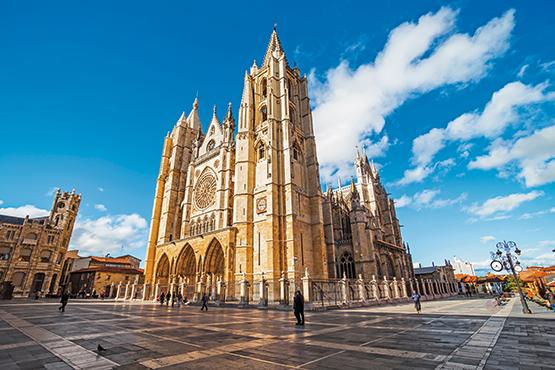 León - Santiago de Compostela - León