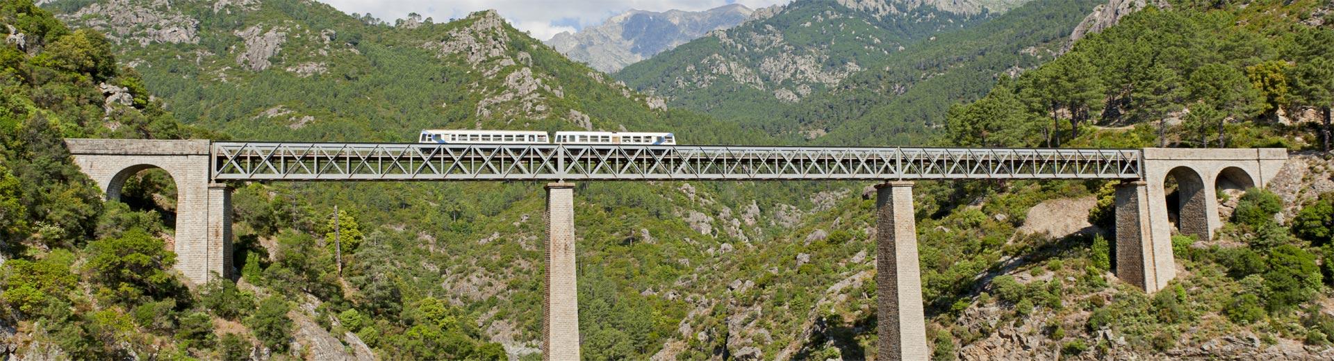 Circuit en train en Corse
