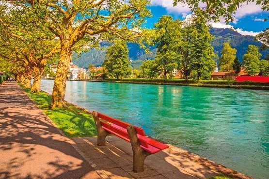 A table ches l'habitant à Interlaken