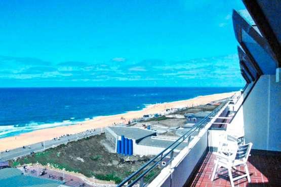 Roth am Strande