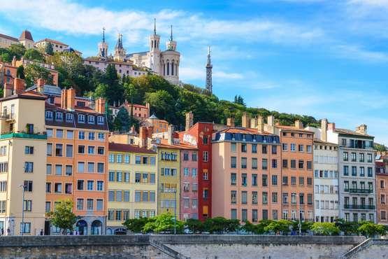 Lyon  - Blick von der Saône auf die Basilika La Fourvière