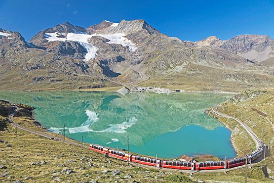 Une traversée des Alpes spectaculaire – offres pour les clients domiciliés hors de Suisse.