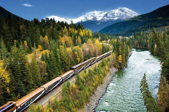 Die First Class Bahn-Erlebnisreise Goldener Ahorn macht Sie mit dem Komfort der beiden berühmtesten Züge Kanadas vertraut.