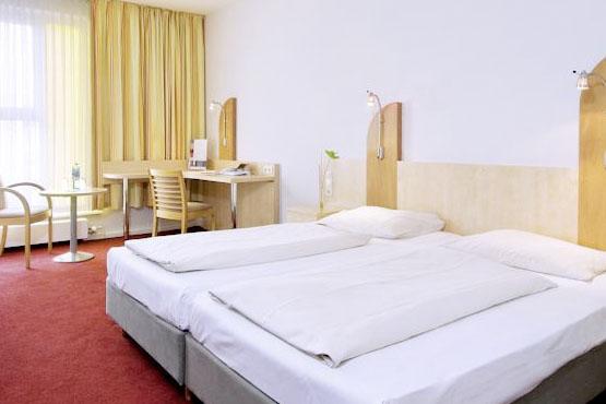 Junges Hotel Hamburg  <span class='stars'>3</span>